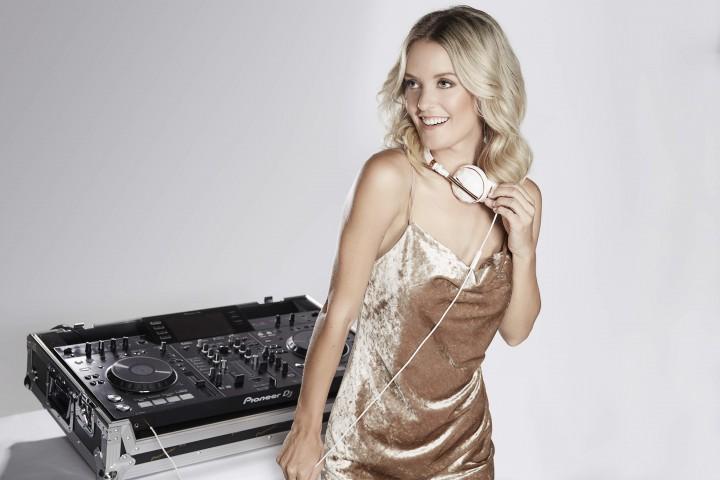 DJ FéLINE